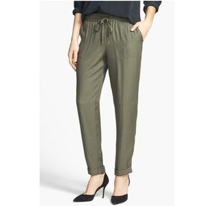 Joie 'Maxi' Tapered Leg Crepe Fatigue Pants S